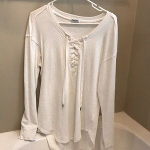 SPLENDID LONG SLEEVE WHITE TEE LACE UP FRONT SMALL